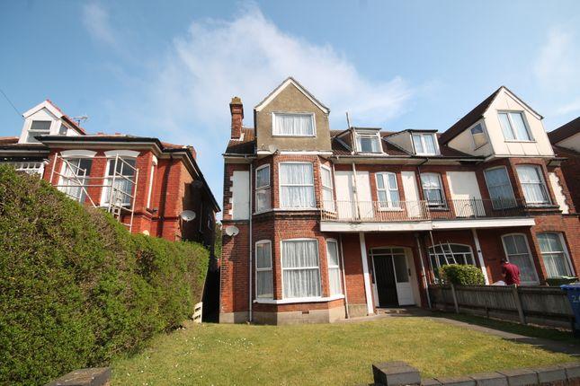 Thumbnail Flat to rent in Sunrise, Lyndhurst Road, Lowestoft