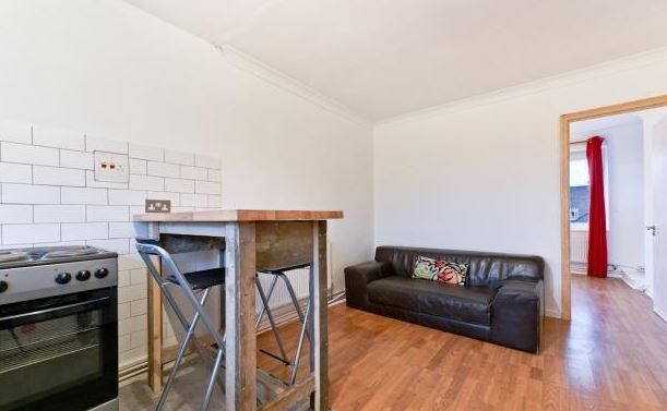 Flat to rent in Penrose Street, London