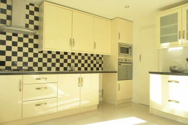 Thumbnail Semi-detached house to rent in Langdale Close, London