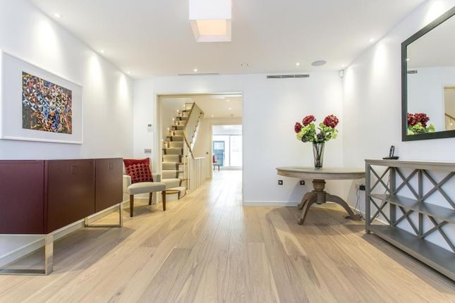 Thumbnail Detached house for sale in Star Yard, Holborn, London