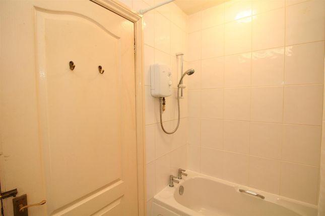 Bathroom of Connaught Avenue, Mutley, Plymouth PL4
