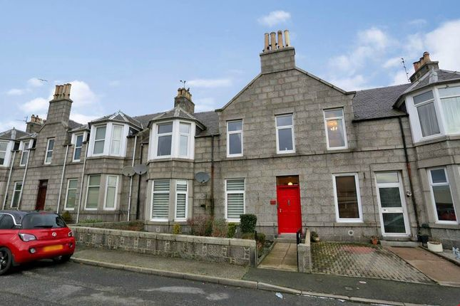 Thumbnail Flat for sale in Foresters Avenue, Stoneywood, Aberdeen
