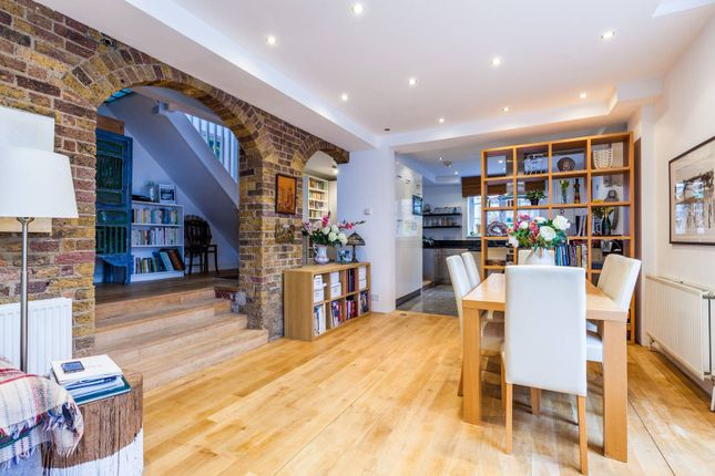 Thumbnail Detached house to rent in Mandrell Road, Brixton