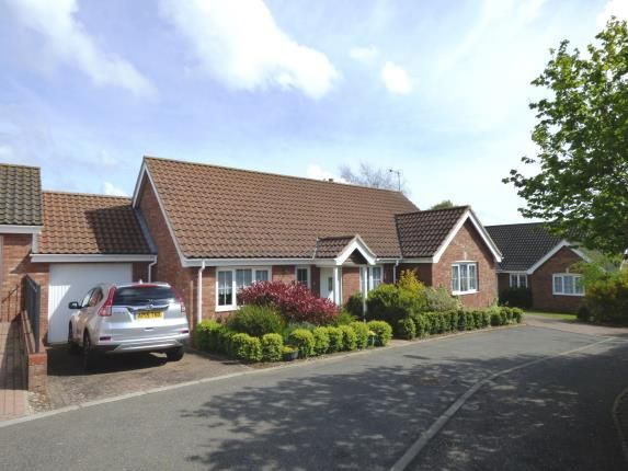 Thumbnail Bungalow for sale in Chedgrave, Norwich, Norfolk