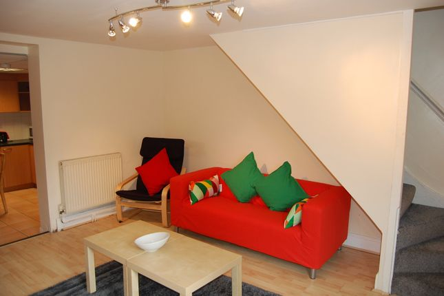 Thumbnail Terraced house to rent in Richmond Road, Gillingham