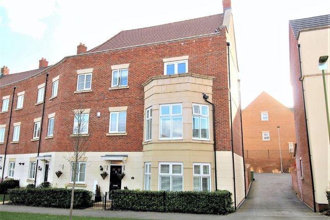 Thumbnail End terrace house for sale in Shearwater Road, Hemel Hempstead