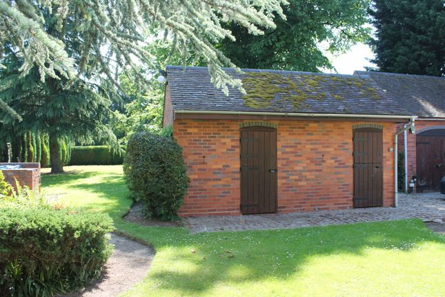 Stables of Cedar Tree Close, Stourport-On-Severn DY13