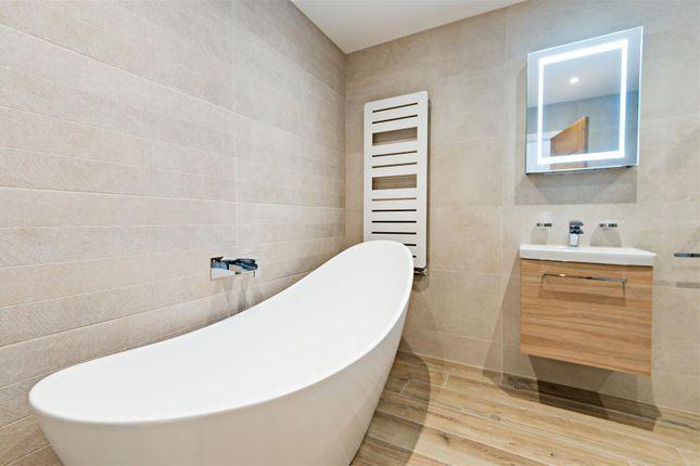 Bathroom of 6, Albury Place, Shrewsbury SY1