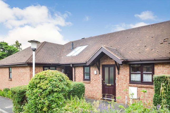 1 bed bungalow for sale in Woodleigh, Keyworth, Nottingham NG12