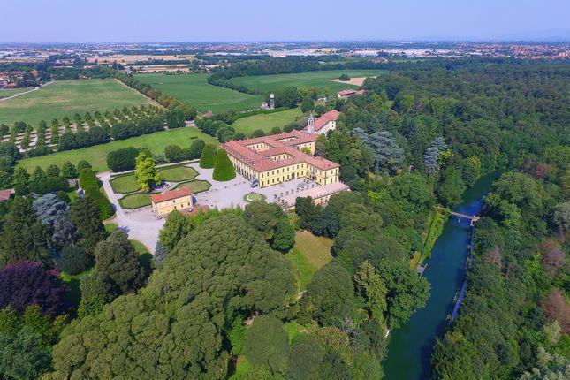 Thumbnail Villa for sale in Milan Area, Milan City, Milan, Lombardy, Italy
