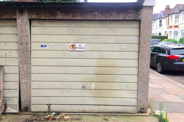 Parking/garage to let in Richmond Road, Twickenham