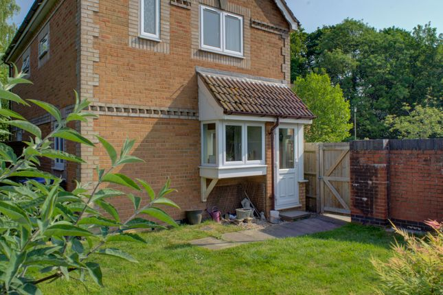 Thumbnail Semi-detached house for sale in Holly Close, Pewsey