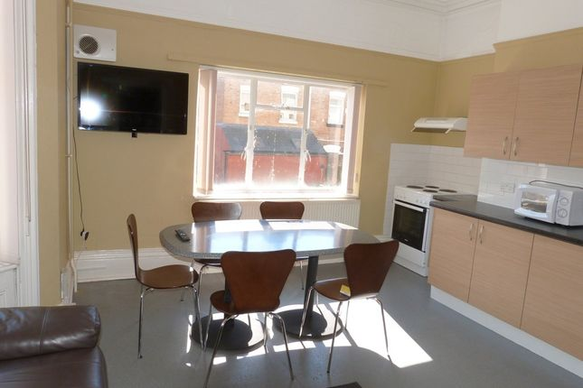 Thumbnail Room to rent in Brunswick Square, Gloucester
