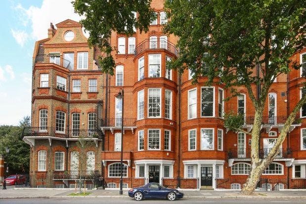 Thumbnail Flat to rent in Chelsea Embankment, London