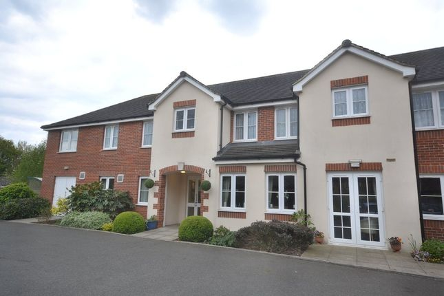 Thumbnail Property for sale in Holtsmere Close, Watford