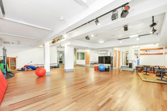 Thumbnail Leisure/hospitality to let in Poole Street, London
