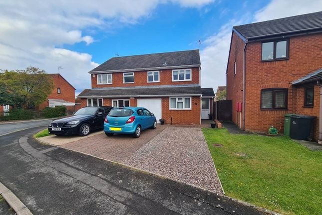 Thumbnail Semi-detached house to rent in St Michaels Close, Evesham