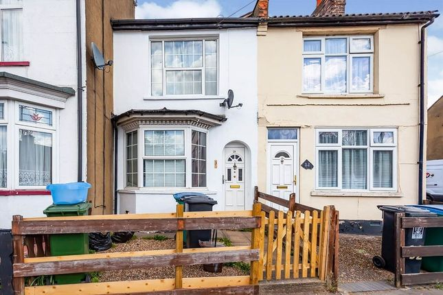 Thumbnail Terraced house to rent in Hagden Lane, Watford