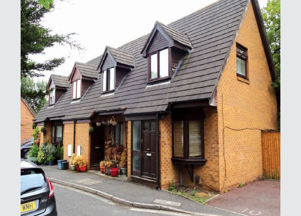 Thumbnail Terraced house for sale in Bradshaws Close, London