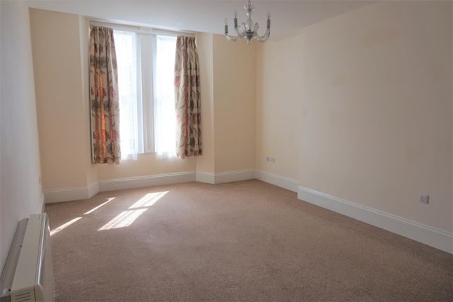 Thumbnail Flat to rent in Dean Street, Liskeard