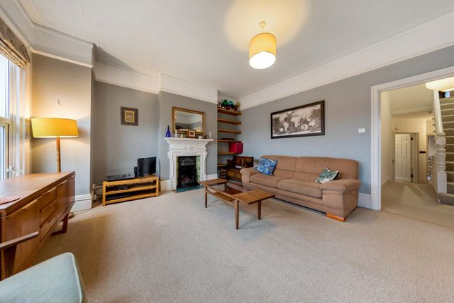 4 bed flat to rent in Croxted Rd, Herne Hill, London