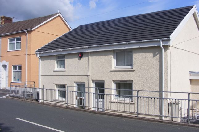 Thumbnail Cottage to rent in Brynallt Terrace, Llanelli