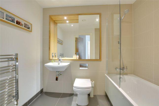 Bathroom of Canary View, 23 Dowells Street, Greenwich, London SE10