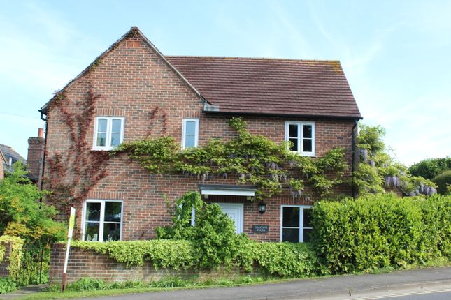 Thumbnail Detached house for sale in Salisbury Road, Hungerford