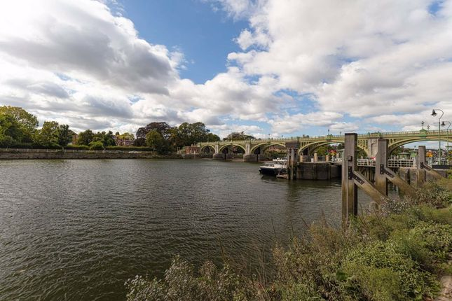 Thumbnail Property for sale in Charleville Mews, Isleworth