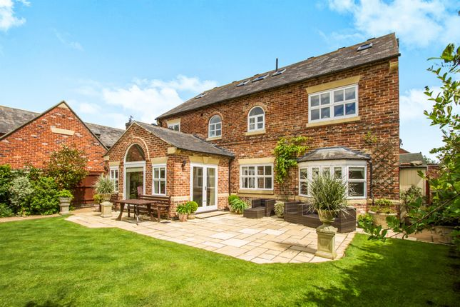 Thumbnail Detached house for sale in Hubbards Close, Ashby Magna, Lutterworth