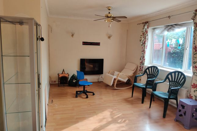 3 bed terraced house to rent in Keel Drive, Slough SL1