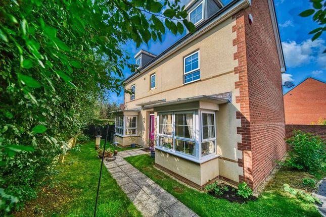 Thumbnail Detached house for sale in Hawthorn Road, Melksham