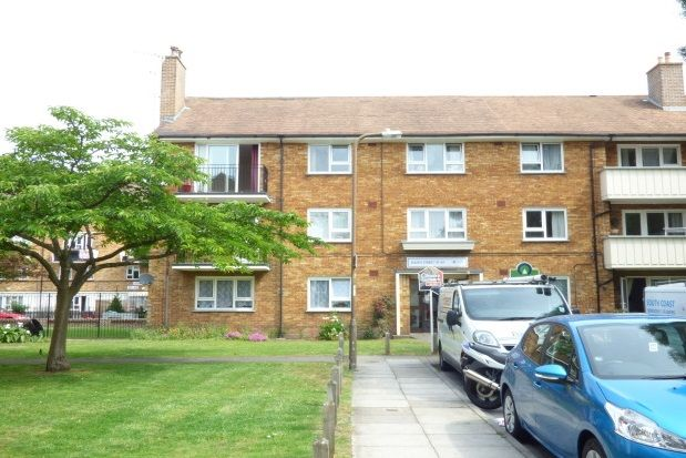 Thumbnail Flat to rent in South Street, Southsea