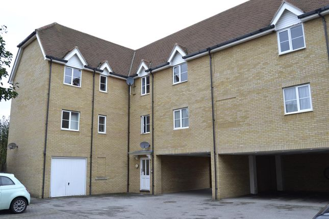 Thumbnail Flat for sale in Mortimer Gardens, Colchester