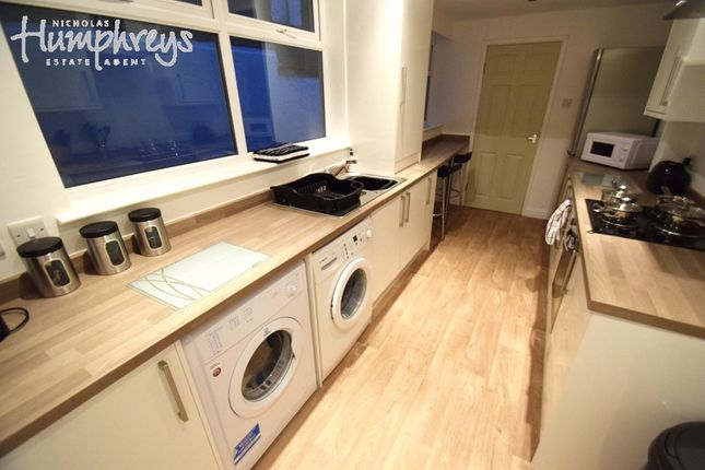 4 bed shared accommodation to rent in Wellesley Street, Hanley ST1