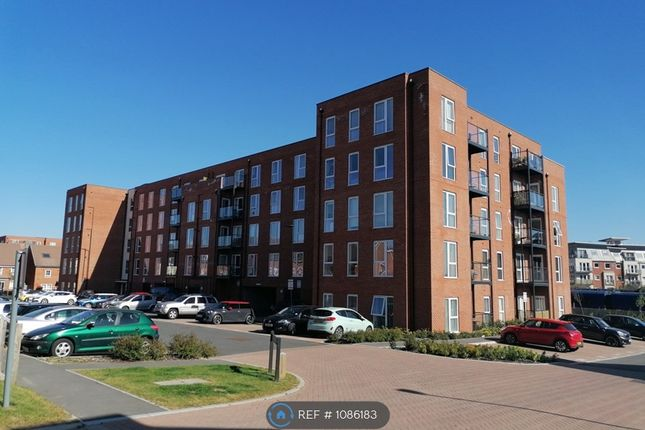2 bed flat to rent in Lambert Court, Basingstoke RG21