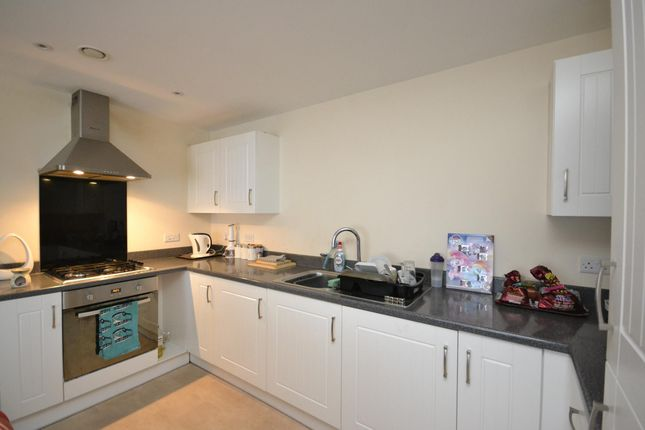 2 bed flat to rent in Charlton Boulevard, Patchway, Bristol BS34