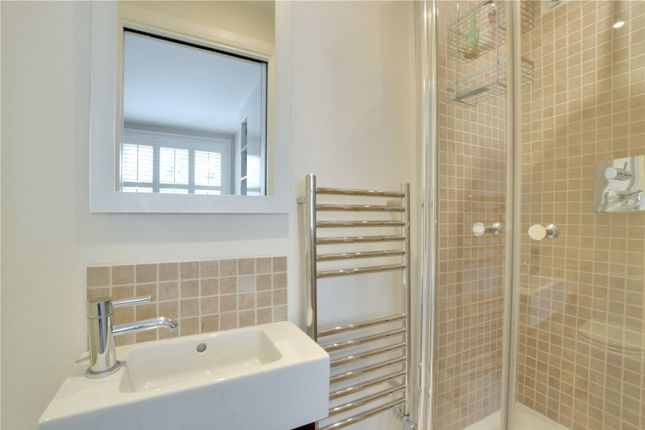 Ensuite of Catherine Grove, Greenwich, London SE10