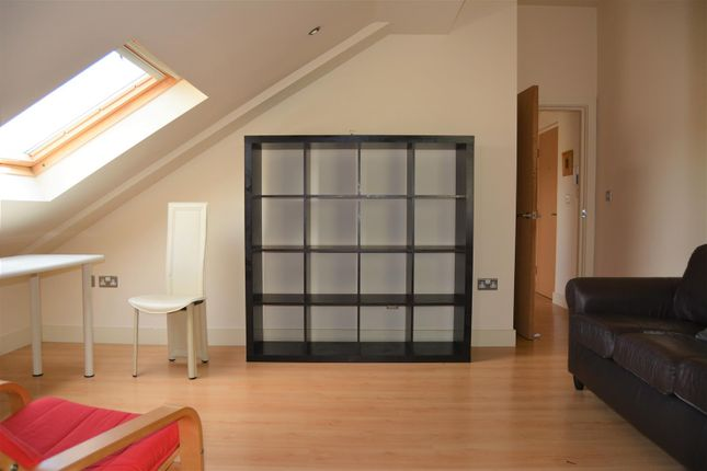 Living Room of Thorncliffe Street, Lindley, Huddersfield HD3