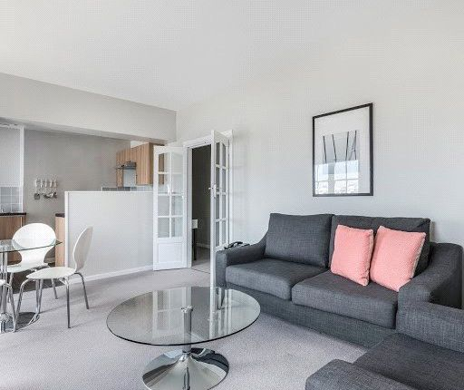 Thumbnail Flat to rent in 502 Duncan House, Dolphin Square, London