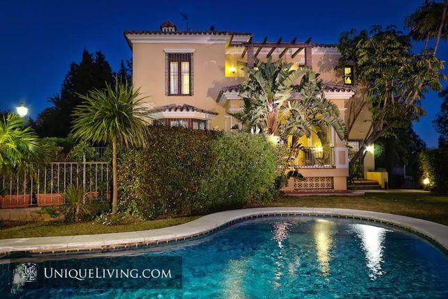 Thumbnail Villa for sale in El Rasario, Marbella, Costa Del Sol