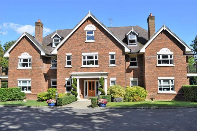 Thumbnail Flat for sale in Coley House, Farnham, Surrey