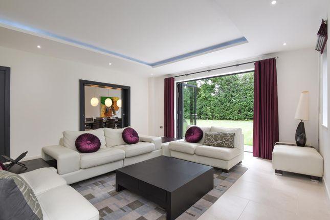 Detached house to rent in Valley Way, Gerrards Cross