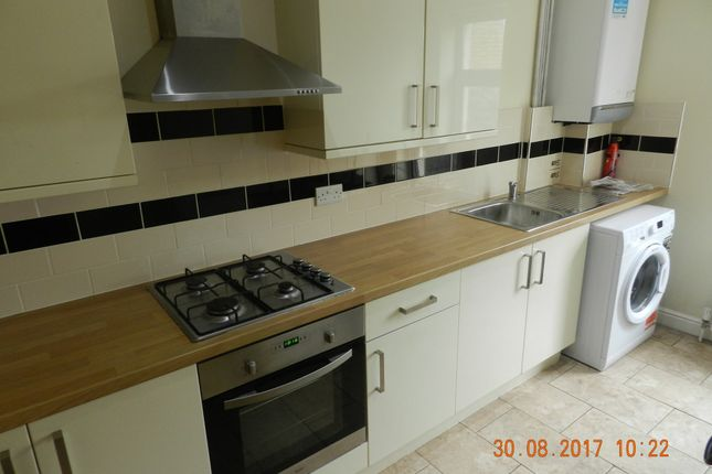 Thumbnail Property to rent in Richmond Crescent, Cardiff