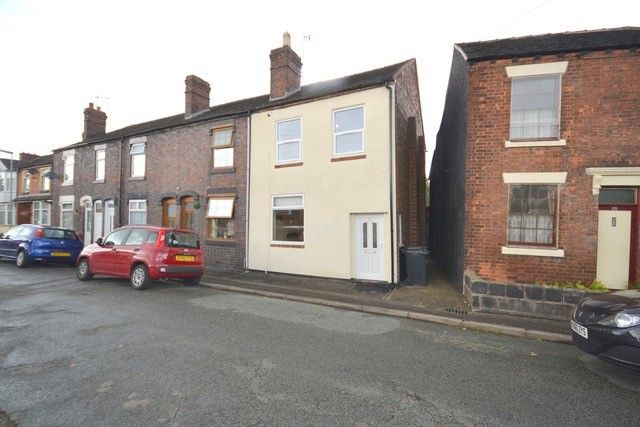 Thumbnail Town house to rent in Vale Street, Silverdale, Newcastle-Under-Lyme