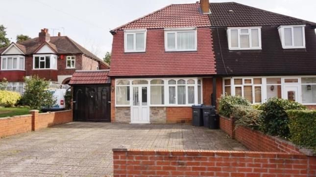 3 bed semi-detached house for sale in Epwell Grove, Kingstanding, West Midlands, Birmingham