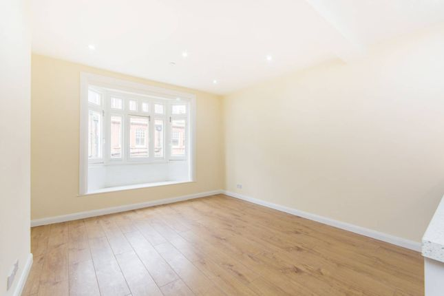 Studio to rent in George Street, Croydon