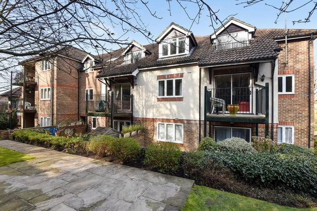 Thumbnail Flat For Sale In High Wycombe Buckinghamshire