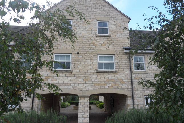 Thumbnail Flat to rent in Lakeside Approach, Barkston Ash, Tadcaster