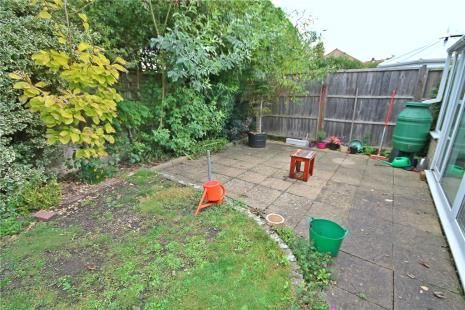 Picture No. 10 of Royal Drive, Epsom KT18